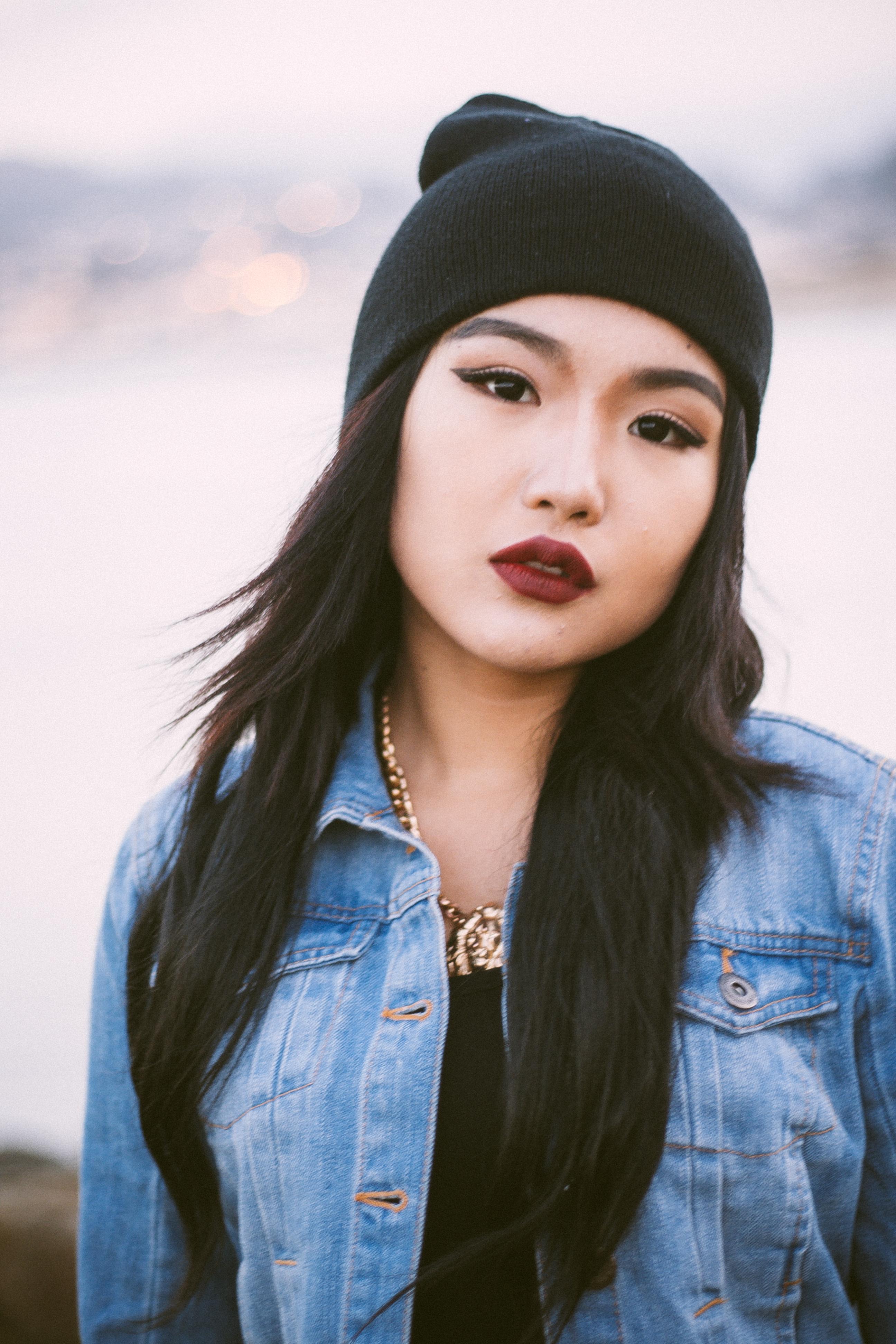 Women In Saree: Mongolian Beauty Haku